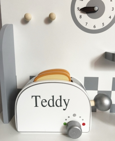 WOODEN PERSONALISED TOASTER SET