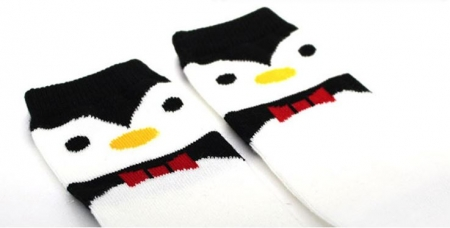 PENGUIN KNEE HIGH SOCKS